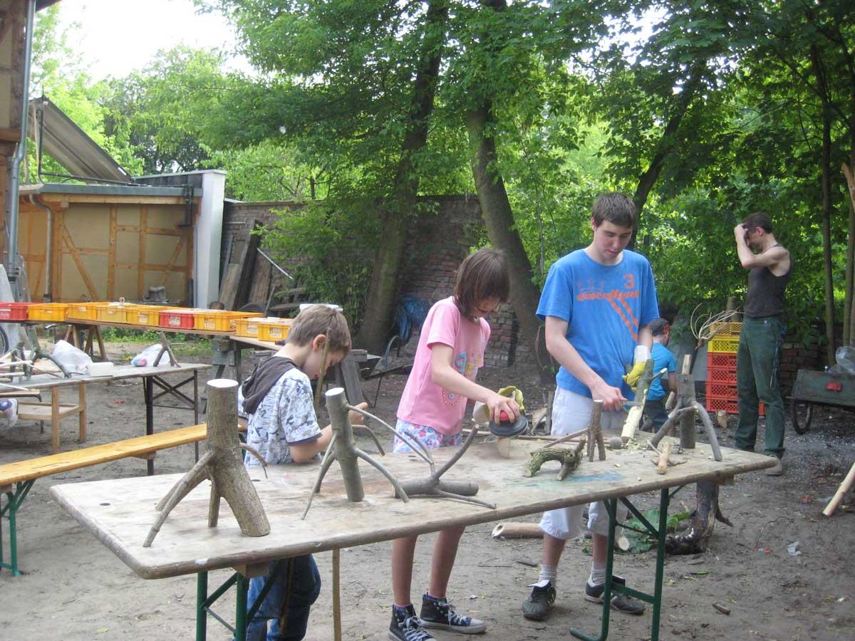 20geburtstag 21220511 kinderbauernhof moderne - Holzbasteln